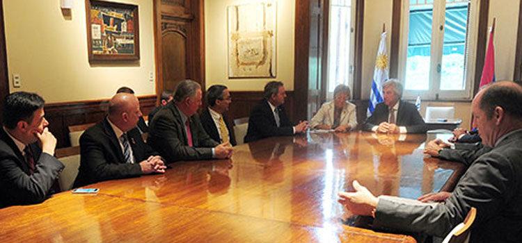 Tabaré Vázquez recibió a congresistas de Estados Unidos
