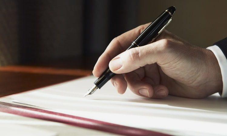 hand_writing_book_man_7986_1920x1080