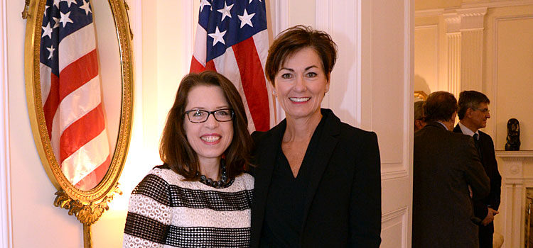 Embajadora de Estados Unidos, Kelly Keiderling con Vicegobernadora del Estado de Iowa, Kim Reynolds. [U.S. Embassy Photo: Pablo Castro]