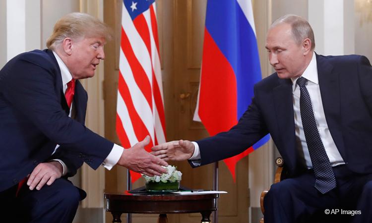 Trump-Putin-Helsinki-Note-750×450