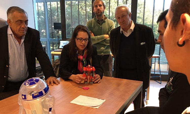 Kelly Keiderling visitó el espacio Makerspace de UTEC en Fray Bentos.